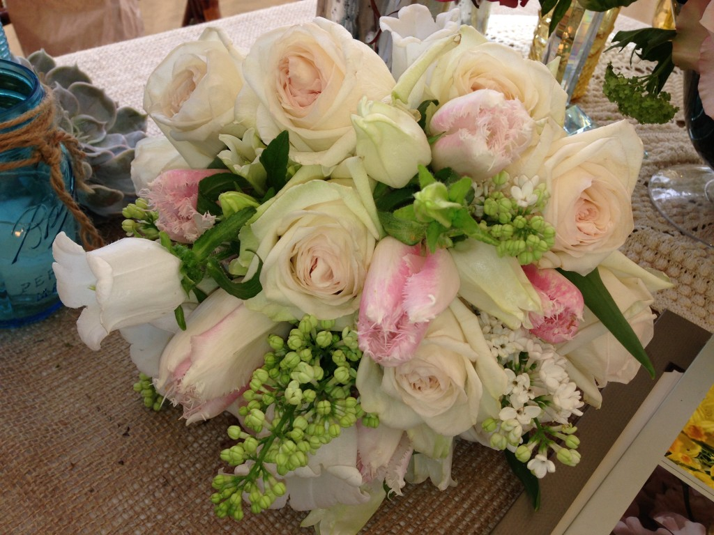 Wedding bouquets kim jon designs for Wedding bouquet tulips and roses